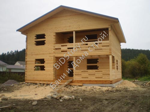 Дом из бруса под усадку №1, 9 на 9, с балконом и террасой